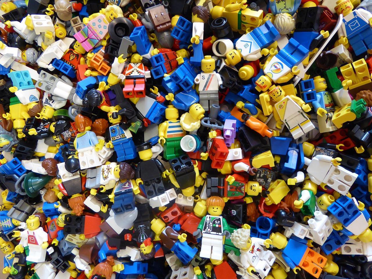 Jakie zabawki warto kupić dziecku?