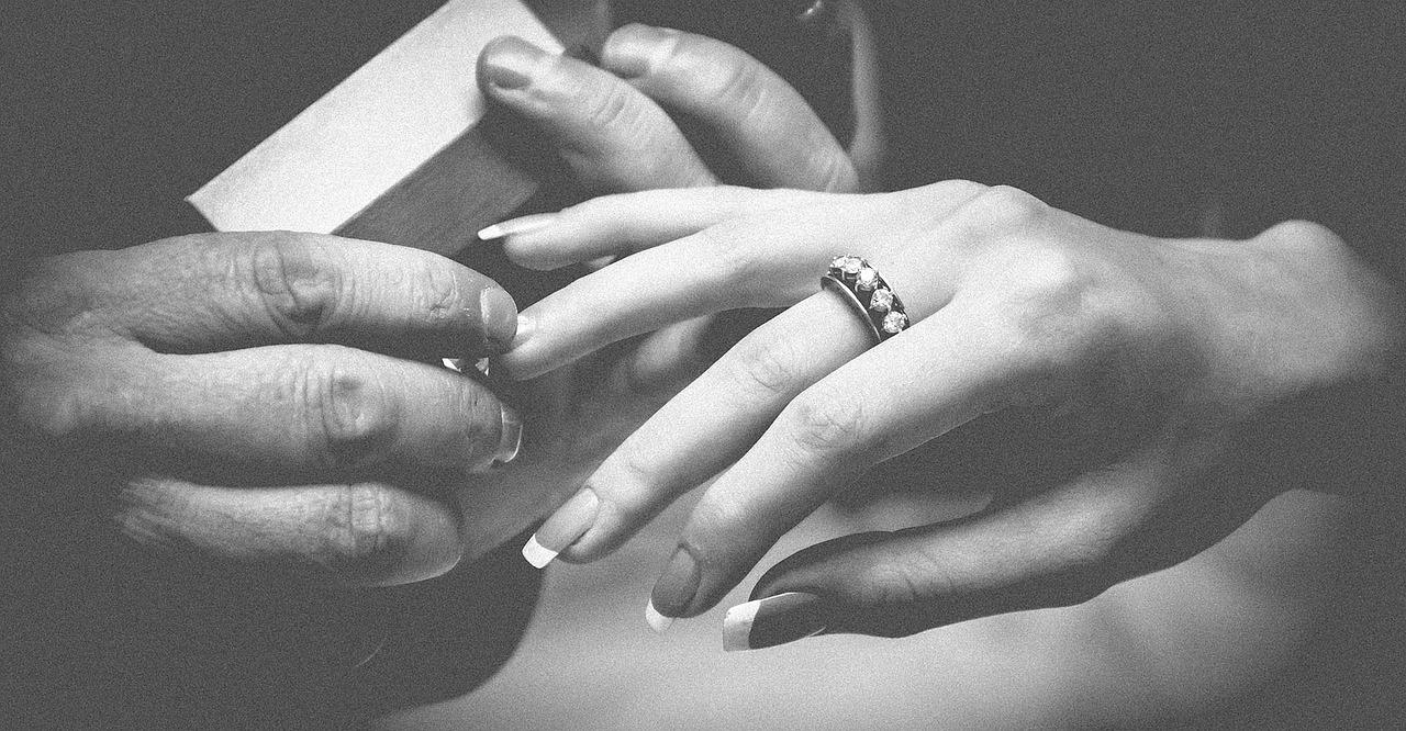 Dodatki do sukni ślubnych