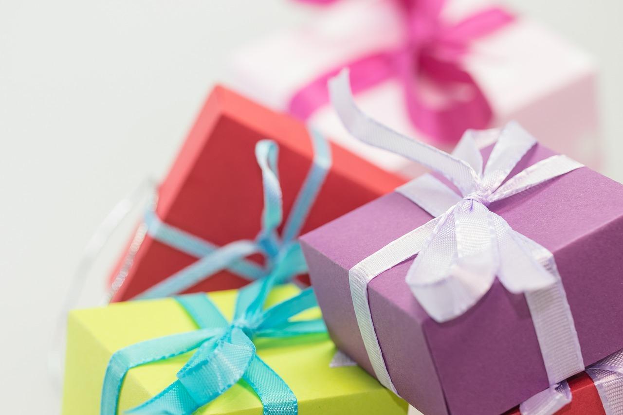 Praktyczne prezenty na urodziny dziecka