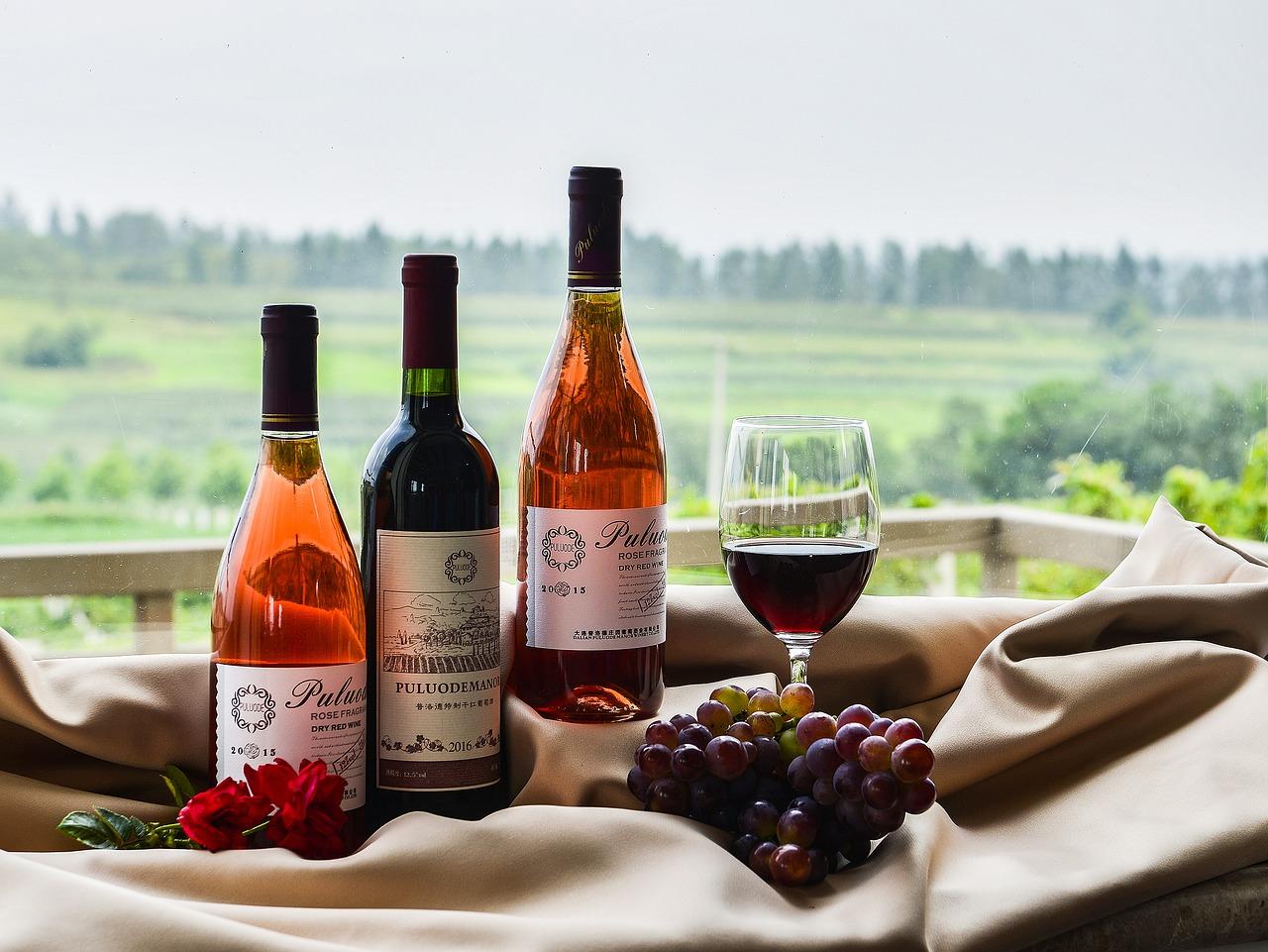 Kiedy serwować białe a kiedy czerwone wino?