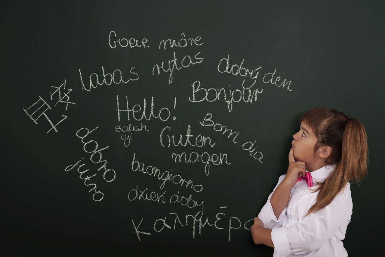 Czym się kierować przy wyborze szkoły językowej dla swojego dziecka?