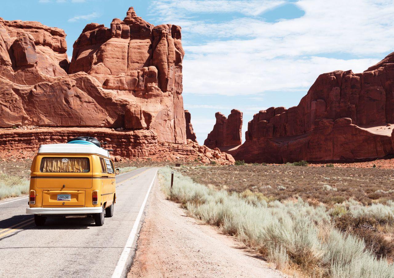 O czym warto wiedzieć zanim wyruszy się w podróż kamperem?
