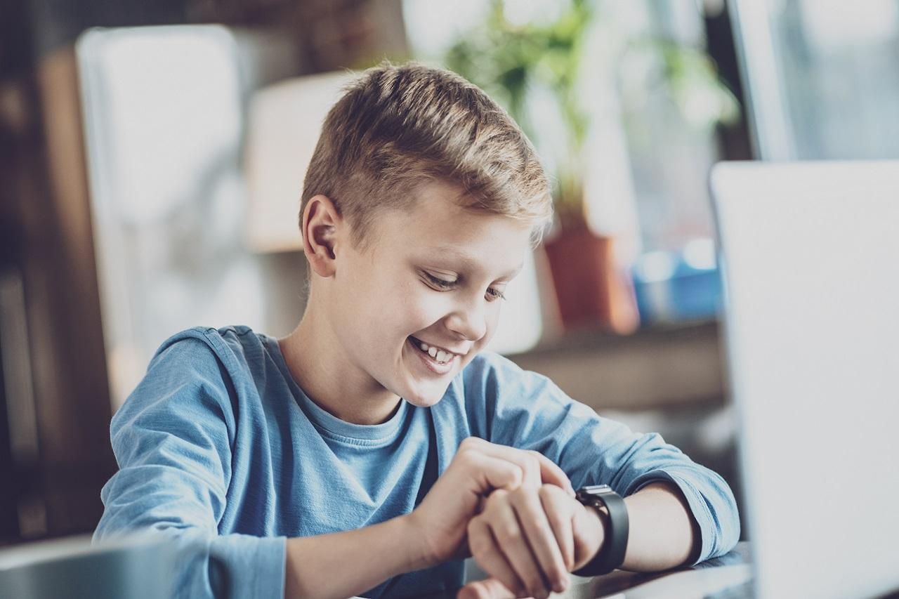 Zegarki dla najmłodszych – kiedy zainwestować w taki gadżet?