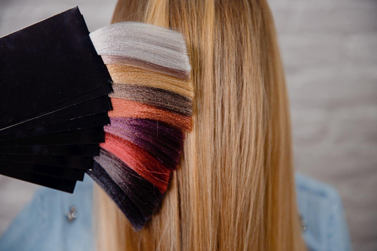 Bezpieczna koloryzacja włosów – jak przygotować włosy?