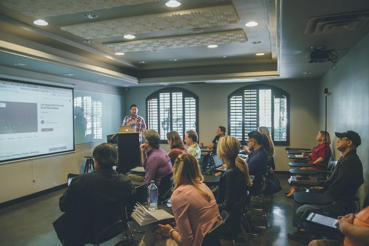 Szkolenia – dlaczego warto postawić na rozwój firmy?
