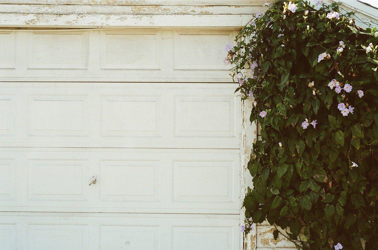 Korzyści z posiadania automatycznej bramy garażowej
