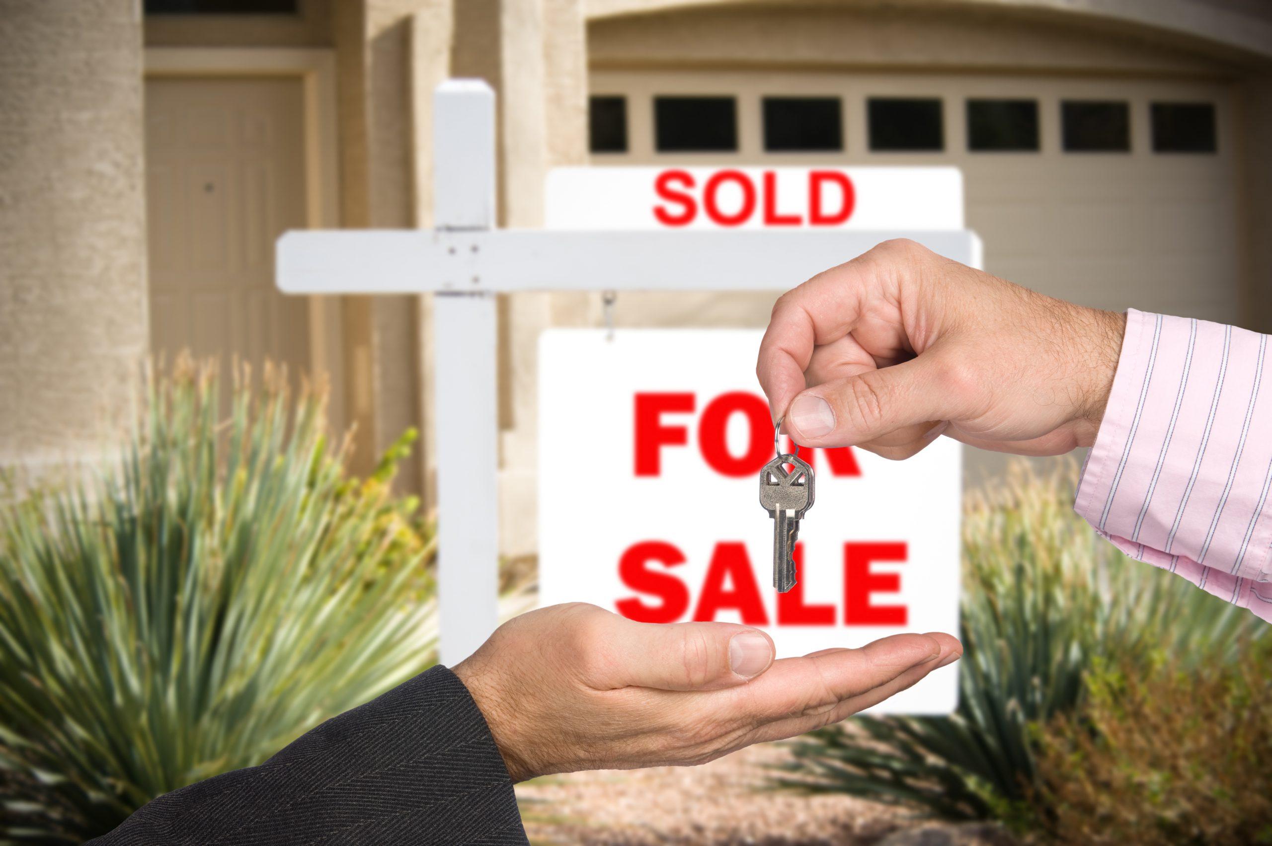 Z czyją pomocą sprzedać mieszkanie w korzystnej dla nas cenie?