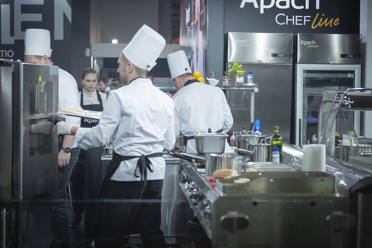 Praca w gastronomii – jakie badania są potrzebne przed jej rozpoczęciem?