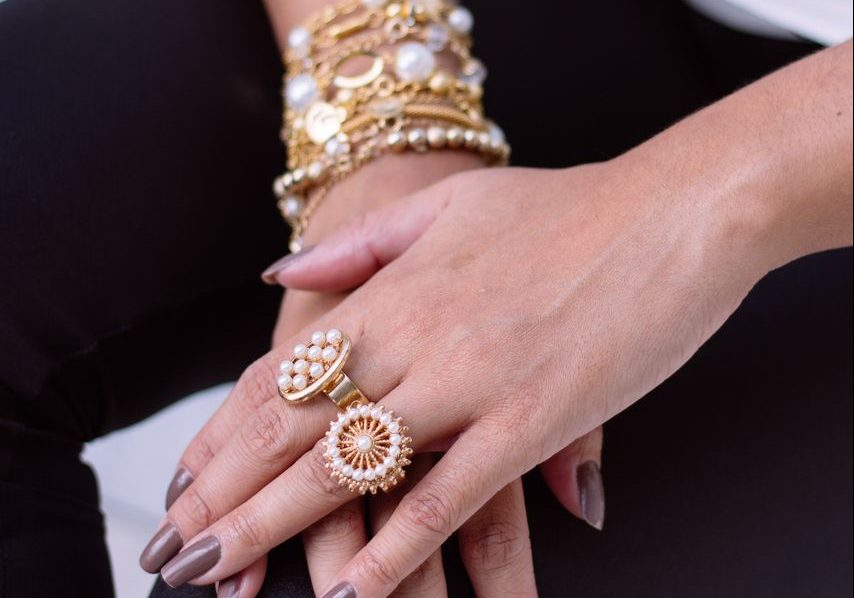 Biżuteria damska w wielu odsłonach